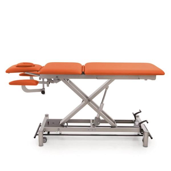 Therapieliege Oslo 5 Seg, multivariabel, Kopfteil mit Gesichtsausschnitt (groß), Armablagen, hochstellbares Beinteil, Untergestell in twintone, Bezugsfarbe PISA-orange